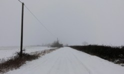 Gypsy Lane, near Great Gidding, in winter snow