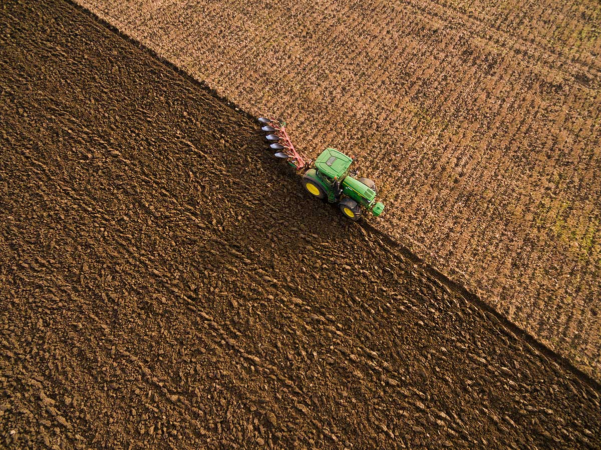 Farming in Great Gidding - ploughing Autumn 2016