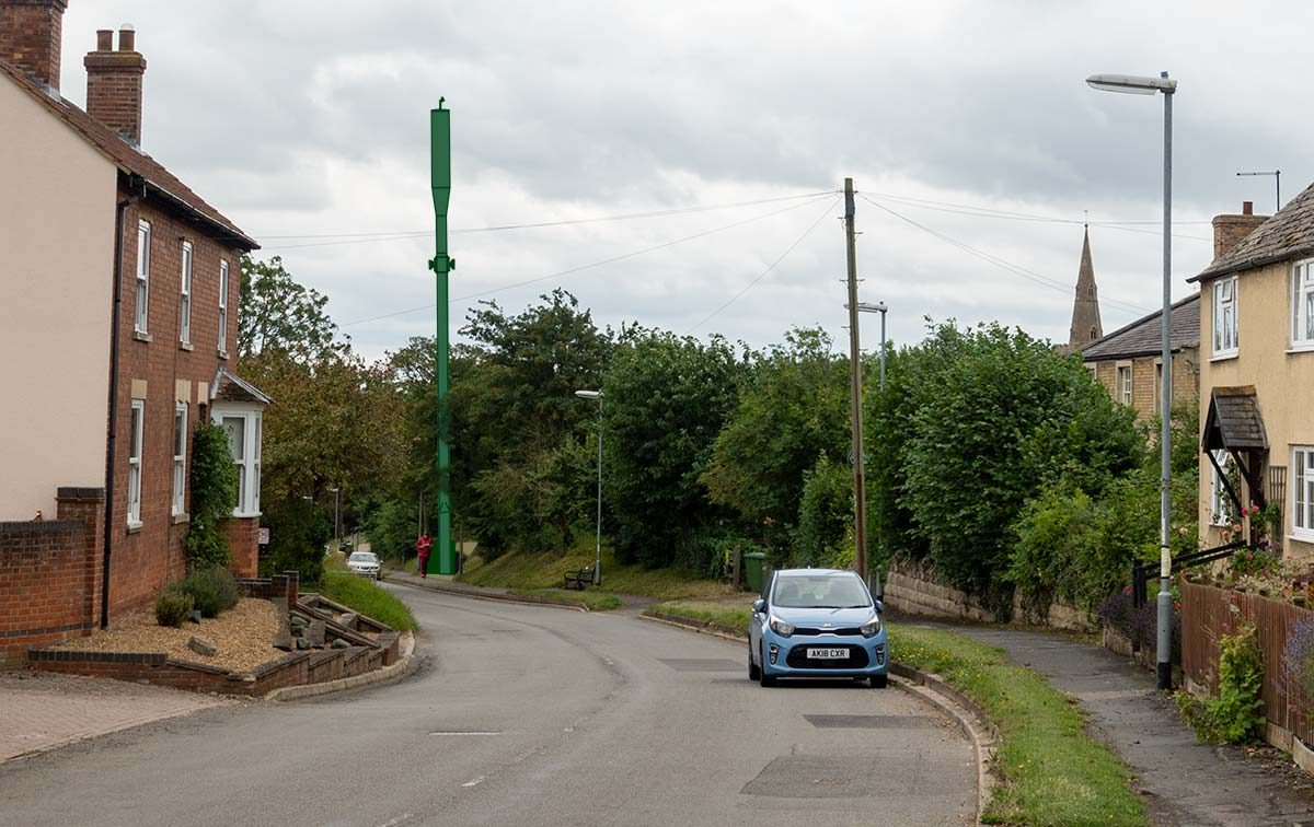 Base station and mast, Main Street, Great Gidding