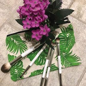 Gidding Christmas Cornucopia - Natural Beauty gifts