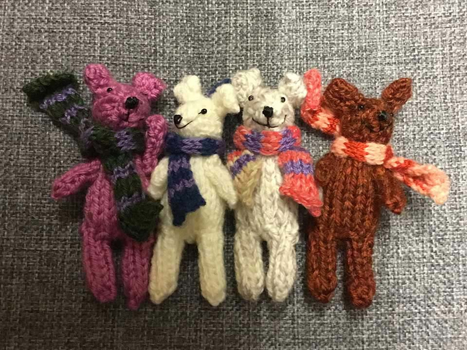 Knitted finger puppets - Gidding Christmas Cornucopia