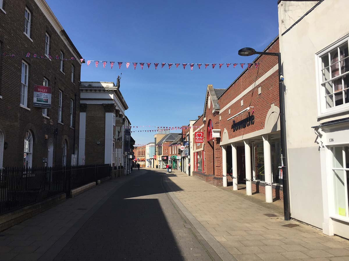 Huntingdon High Street nearly deserted on a weekday afternoon