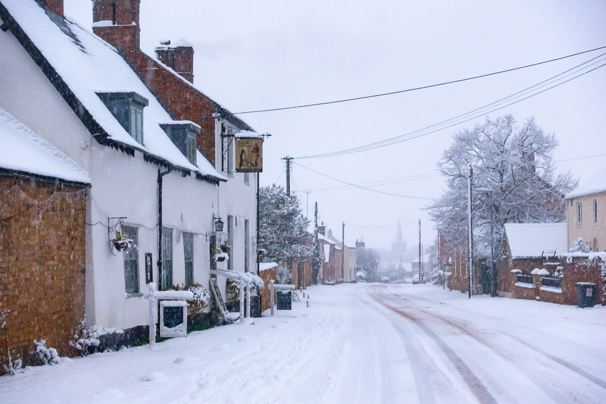 Great Gidding in the snow January 2021 - Fox and Hounds